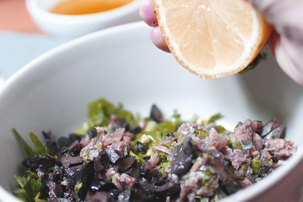 finocchi alla griglia con acciughe e olive