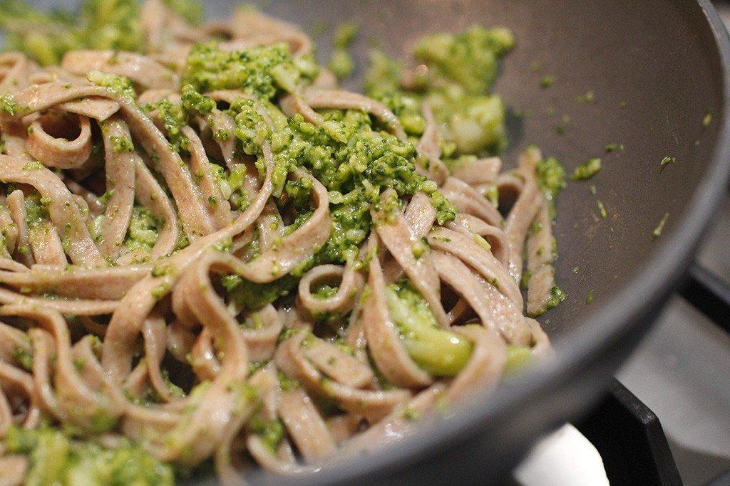 tagliatelle broccoli e fonduta di taleggio